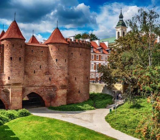 Barbacane de la vieille ville de Varsovie