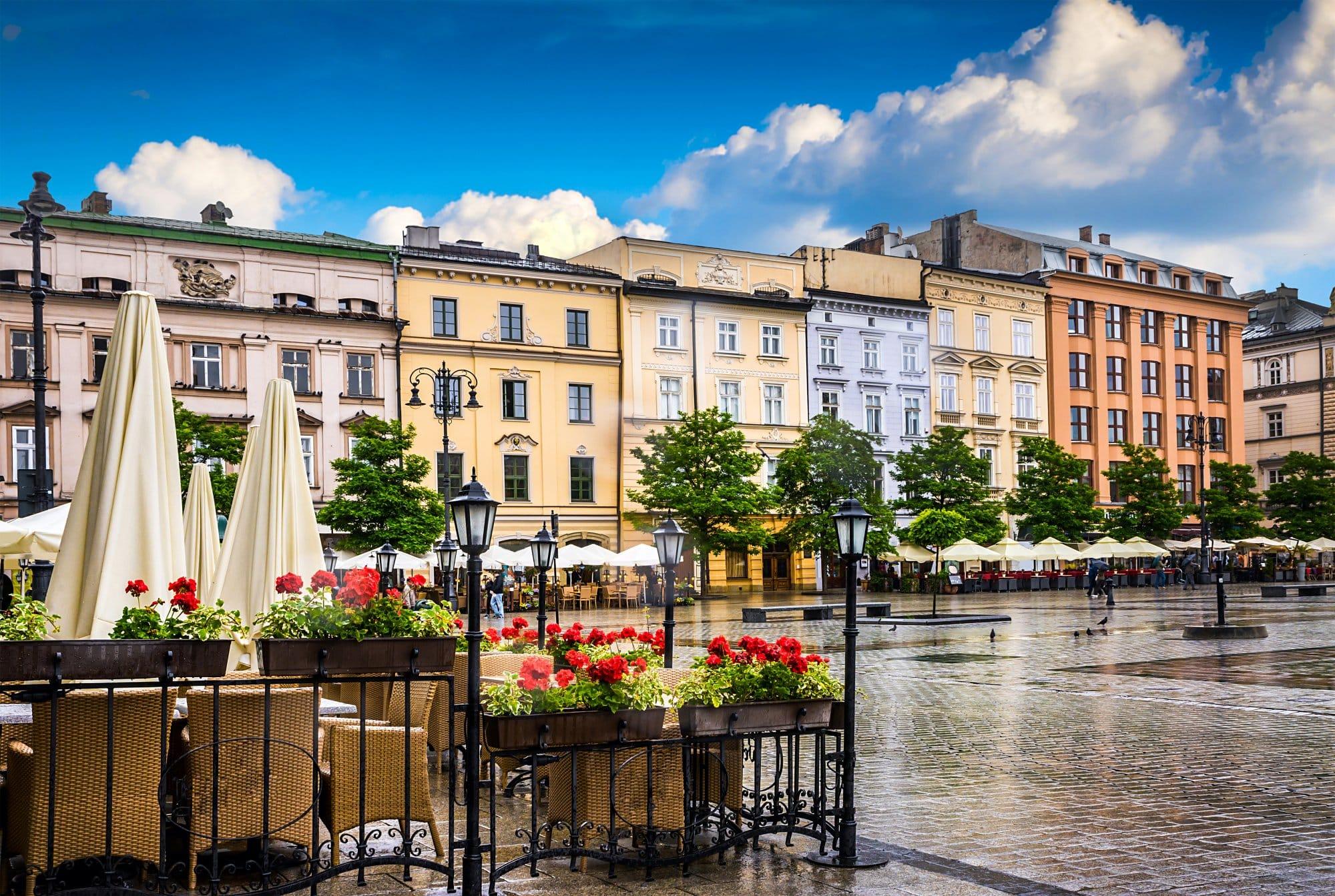 La vieille ville de cracovie pologne desti nations - Maison simple aux details rustiques en pologne ...