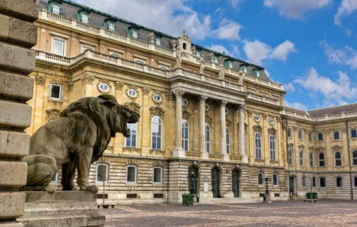 Le Palais Royal de Budapest et le Mont Gellért
