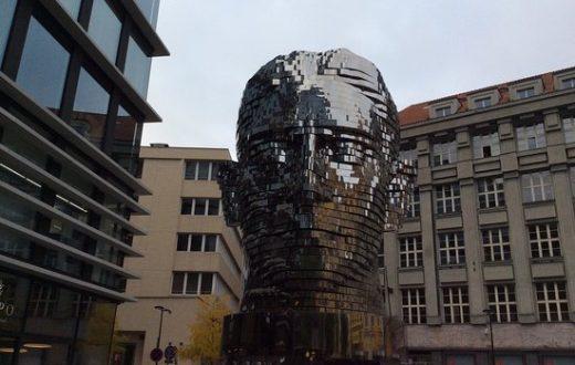 Statue de Franz Kafka à Prague