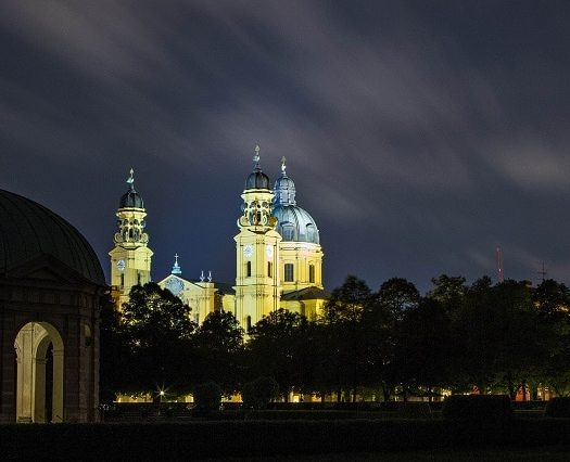 Jardin de cour - Hofgarten - parc baroque - Theatinerkirche - Munich - Bavière