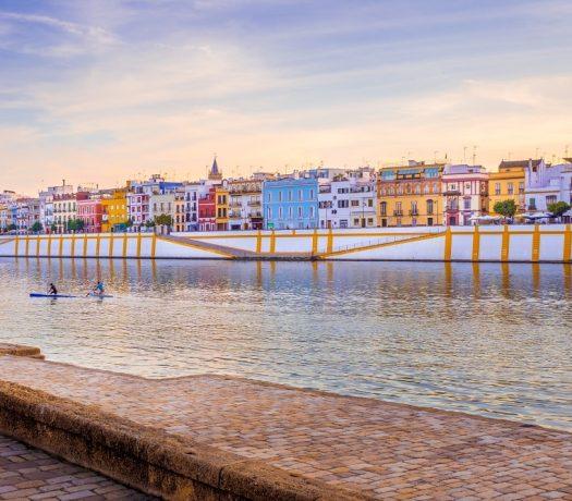 Séville coupée en deux par le Guadalquivir - Triana à l'ouest - célèbre pour le flamenco