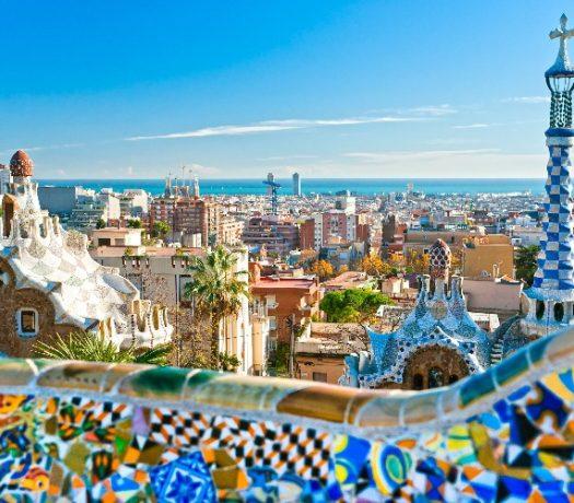Panorama de la ville via le Parc Guell - Barcelone