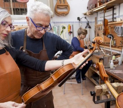 Les luthiers de Crémone
