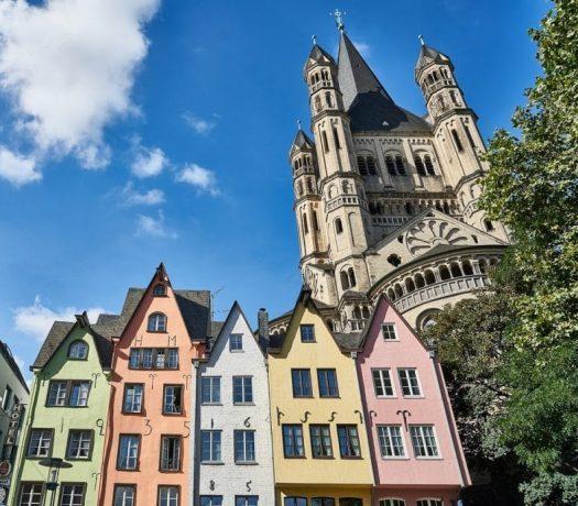 Cologne - maisons colorées dans la vieille ville