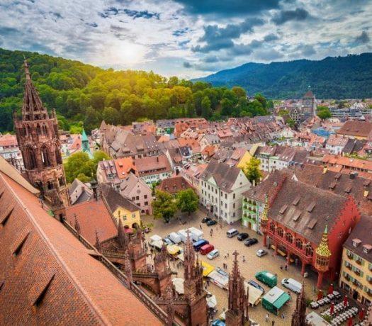 Place de la Cathédrale (La Münsterplatz) - Fribourg-en-Brigsau