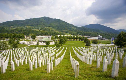 Mémorial et cimetière de Srebrenica-Potocari